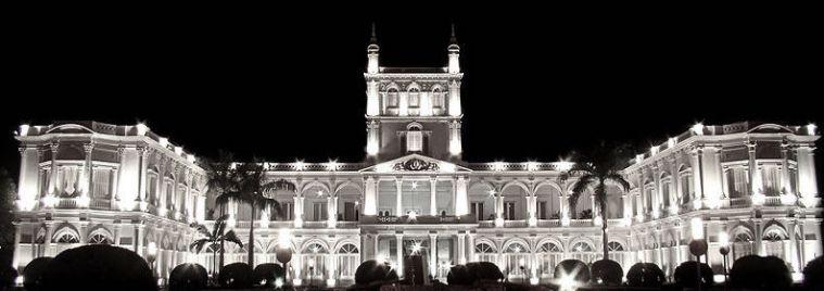 800px-palacio_de_lopez_de_noche